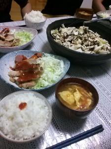トンテキ・白菜と塩昆布のサラダ・トマトと卵のスープ