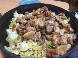 鶏肉のマヨぽん炒め (この鶏肉でお粥の出しを取りました)