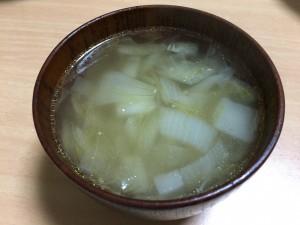 玉ねぎ入りコンソメスープ