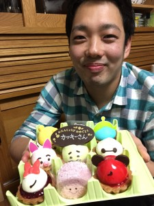 食後のデザートは柿崎先生へのバースデーケーキ♪