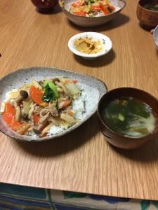 中華丼とわかめスープ