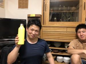 お土産ではありませんが、森口氏がドイツで買った水筒です…。(現在毎日水を入れて子ども園に持って来ています)