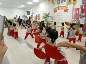 歓迎の踊り